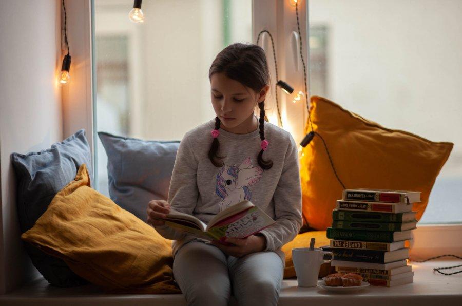 Книжный клуб в москве для подростков мужской стриптиз в клубе 8 марта